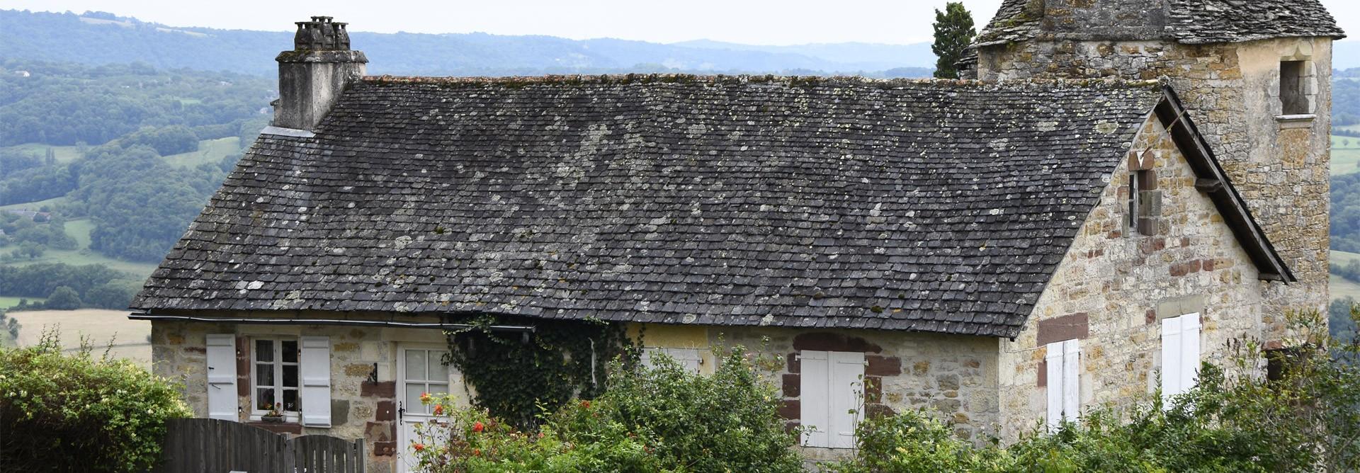 Charpentier près de Saint-Yrieix-la-Perche